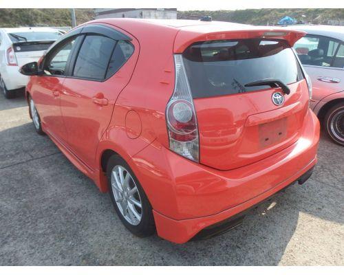 Задняя губа на Toyota AQUA